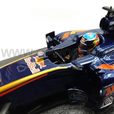 2016 Max Verstappen | Bahrain GP - 1/18 Minichamps Resin - GPworld Racing Merchandise